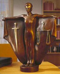 "Skulptur ""Justitia"", Version in Bronze"