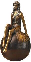 """Skulptur """"Mädchen auf Kugel"""" in Bronze"""