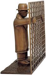 """Skulptur """"Mann mit Gitter"""", Bronze"""