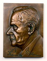 "Wandrelief ""Thomas Mann"", Kunstbronze"