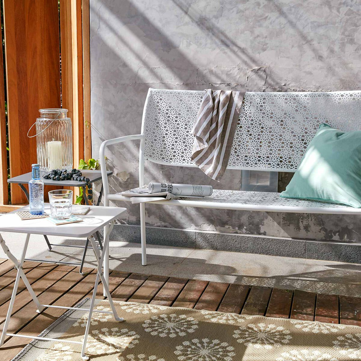 gartenbank flora aus metall ca b 122cm x h 88cm wei depot de. Black Bedroom Furniture Sets. Home Design Ideas